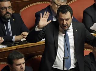 Φωτογραφία για Κοροναϊός - Ιταλία: Οργισμένες αντιδράσεις για τις δηλώσεις Σαλβίνι περί εμβολιασμού
