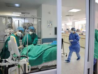 Φωτογραφία για ΜΕΘ «Σωτηρία»: Ανεμβολίαστοι και από 30 έως 40 ετών, οι 6 στους 10 ασθενείς. Αύξηση στις εισαγωγές
