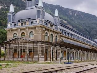 Φωτογραφία για Ισπανία: Ιστορικός σιδηροδρομικός σταθμός ξαναζωντανεύει ως ξενοδοχείο.