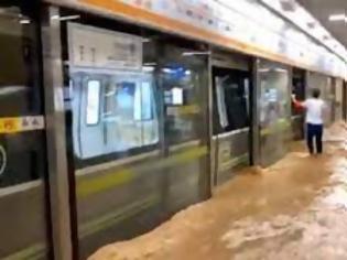 Φωτογραφία για Οι πλημμύρες στο Ζενγκζού διαταράσσουν τις σιδηροδρομικές εμπορευματικές μεταφορές της Ευρασίας.