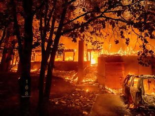 Φωτογραφία για Η πυρκαγιά Ντίξι κατακαίει την Καλιφόρνια