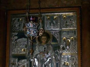 Φωτογραφία για Η θαυματουργή εικόνα του αγίου Παντελεήμονα, βρίσκεται στο παρεκκλήσι αφιερωμένο σε εκείνον, στο νοσοκομείο της Μονής Βατοπαιδίου