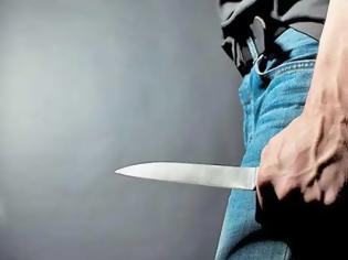Φωτογραφία για Ρόδος: Μαχαίρωσε την γυναίκα του στον λαιμό επειδή του ζήτησε να χωρίσουν