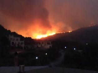 Φωτογραφία για Φωτιά Μάνη: Δύο μέτωπα καίνε στα ανατολικά - Πυροσβεστικές δυνάμεις στη Δεσφίνα και τη μονή Τσίγκου