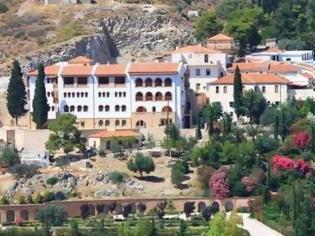 Φωτογραφία για Αίγινα: Τι λένε οι μοναχές για το «λουκέτο» στο μοναστήρι του Αγίου Νεκταρίου