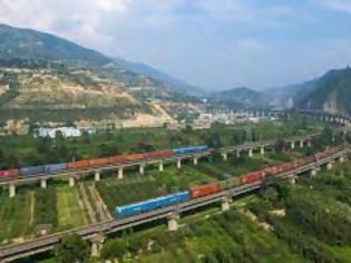 Φωτογραφία για Παρά τα κρούσματα  COVID-19 στο λιμάνι της  Αλασάνκου, τα τρένα εξακολουθούν να κυκλοφορούν.