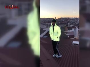 Φωτογραφία για Σοκαριστικό ατύχημα στην Τουρκία - 23χρονη έπεσε από τον 9οροφο πολυκατοικίας (Video)