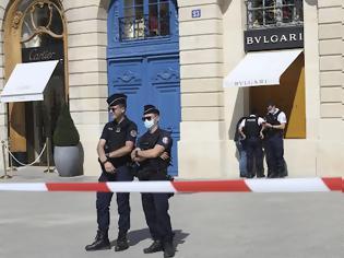 Φωτογραφία για Γαλλία: Ένοπλη ληστεία σε κοσμηματοπωλείο της Bvlgari με λεία 10 εκατ. -Συνελήφθησαν δύο από τους δράστες