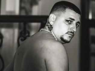 Φωτογραφία για Mad Clip: Η προσωπογραφία του στο Μεταξουργείο - «Κανε με αν πεθάνω» είχε πει στον street artist