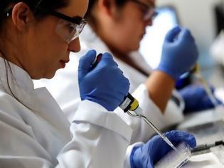 Φωτογραφία για Μετάλλαξη Δέλτα: Πιο ανθεκτική στα αντισώματα – Τι ισχύει για όσους έκαναν εμβόλιο Pfizer και AstraZeneca
