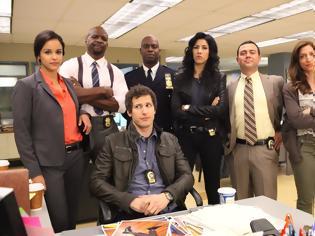 Φωτογραφία για Η ανατρεπτική κωμική σειρά «Brooklyn Nine-Nine» έρχεται... Πότε κάνει πρεμιέρα;
