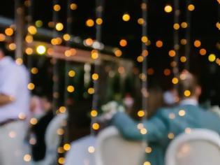 Φωτογραφία για Πάτρα- Πανικός σε γάμο: Χόρευε και διασκέδαζε με κορονοϊό ο αδελφός του γαμπρού!