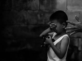 Φωτογραφία για Υπόθεση – φρίκη: Πατέρας ομολόγησε ότι βίασε και σκότωσε τον 10χρονο γιο του