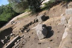 Χρηματοδότηση 8.000 € για σύνταξη μελέτης, για την ανάδειξη (αναστήλωση) του ταφικού μνημείου – Ηρώου της αρχαίας Αλυζίας στον Μύτικα.