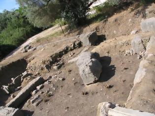 Φωτογραφία για Χρηματοδότηση 8.000 € για σύνταξη μελέτης, για την ανάδειξη (αναστήλωση) του ταφικού μνημείου – Ηρώου της αρχαίας Αλυζίας στον Μύτικα.