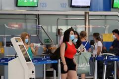 Πτήσεις εσωτερικού: Από 4 ετών απαραίτητη η προσκόμιση αρνητικού self test για επιβίβαση