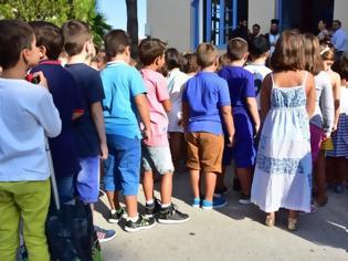 Φωτογραφία για Με το «καλημέρα» 700 κρούσματα κορονοϊού στα σχολεία