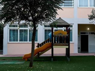 Φωτογραφία για Κοροναϊός - Ελλάδα: Στη Θεσσαλονίκη το πρώτο τμήμα σχολείου που κλείνει - Αναστολή καθηκόντων σε δάσκαλο