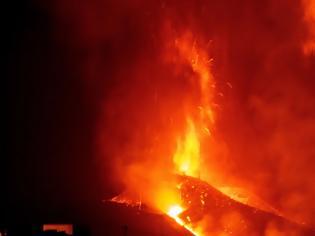 Φωτογραφία για Ισπανία: «Βρυχάται» το ηφαιστείο στη Λα Πάλμα - Ποτάμια λάβας καταστρέφουν την περιοχή