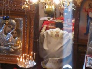 Φωτογραφία για Πότε γίνεται ἡ μεταβολή τοῦ ἄρτου καί τοῦ οἴνου σέ σῶμα καί αἷμα Χριστοῦ;