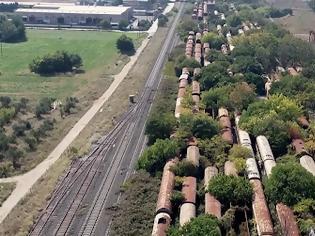 Φωτογραφία για Μια ανάσα από τη Θεσσαλονίκη: Εκεί που βρίσκεται ένα γιγαντιαίο νεκροταφείο τρένων. Εικόνες και βίντεο.