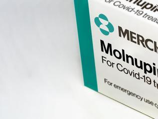 Φωτογραφία για Μολνουπιραβίρη: Πώς το ελπιδοφόρο νέο φάρμακο πλήττει τον κορονοϊό
