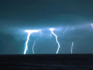 Φωτογραφία για Κακοκαιρία «Μπάλλος»: Χτυπά Ιόνιο και Ηπειρο, ξεκίνησε έντονη βροχή και στην Αττική -Προειδοποίηση για επικίνδυνα φαινόμενα