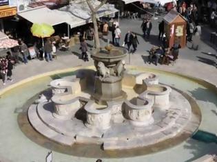 Φωτογραφία για Το πιο πολυφωτογραφημένο μνημείο της Κρήτης ... στέκι της ντροπής!