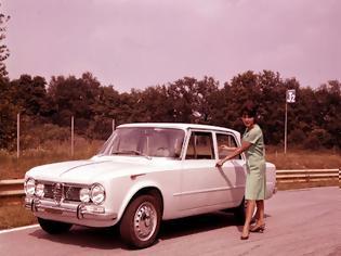 Φωτογραφία για Η Alfa Romeo γιορτάζει τριπλά!