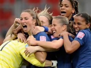 Φωτογραφία για ΔΕΙΤΕ: Όταν το ποδόσφαιρο γίνεται γυναικεία υπόθεση
