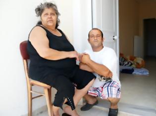 Φωτογραφία για Άρρωστη γυναίκα και ο ανάπηρος γιο της έμειναν στο δρόμο θεονήστικοι!