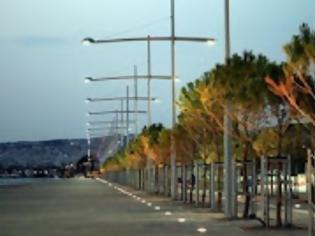 Φωτογραφία για Εγκρίθηκε η δημιουργία συστημάτων πρόσβασης στις παραλίες της Θεσσαλονίκης για τα ΑΜΕΑ