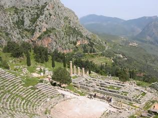 Φωτογραφία για Στο αρχαίο θέατρο των Δελφών