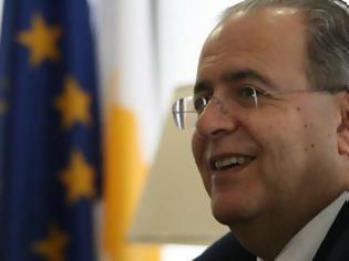 Φωτογραφία για Κόντρα Κασουλίδη με Βρετανό Ευρωβουλευτή «Η Βρετανια φέρει μέρος της ευθύνης για το ότι η Κύπρος είναι χωρισμένη στα δύο»