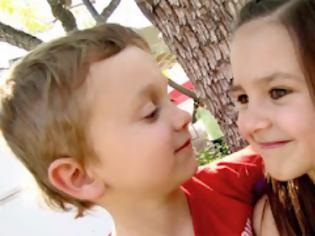 Φωτογραφία για Το πρώτο φιλί (Video)