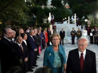 Φωτογραφία για Επιτέλους τέλος στην φαρσοκωμωδία της γιορτής της Δημοκρατίας