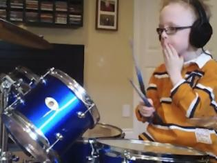 Φωτογραφία για Ένας 6χρονος παίζει τραγούδι των Foo Fighters [video]