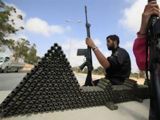 Φωτογραφία για Απελευθερώθηκαν δύο δημοσιογράφοι στη Λιβύη