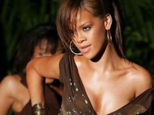 Φωτογραφία για Η Rihanna τα έκανε γυαλιά - καρφιά σε club του Λονδίνου