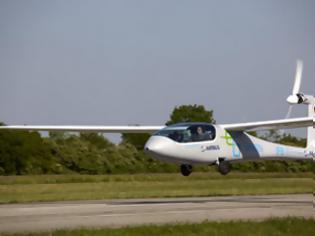 Φωτογραφία για Το ηλεκτροκίνητο eGenius κινείται με πάνω από 100 mph για λίγο περισσότερο από δύο ώρες!