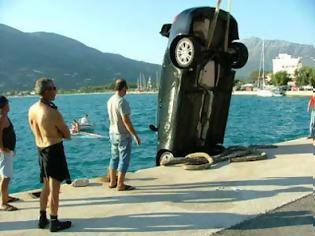 Φωτογραφία για Αυτόκινητο στη Πρέβεζα έπεσε μέσα στη θάλασσα