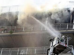 Φωτογραφία για Γκύζη: Δύο τραυματίες από φωτιά σε διαμέρισμα...