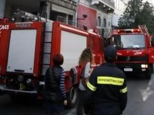 Φωτογραφία για Δύο τραυματίες από φωτιά σε διαμέρισμα στο Γκύζη