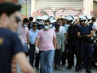 Φωτογραφία για Σύγχρονο Γκουαντάναμο στο κέντρο της Αθήνας - Βρήκαν επιχειρήσεις που είχαν λαθρομετανάστες φυλακισμένους, ανασφάλιστους και με κάμερες ασφαλείας!