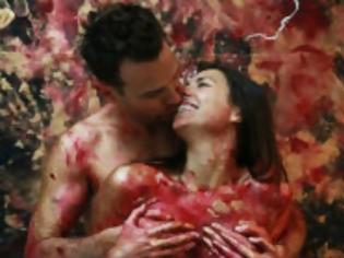 Φωτογραφία για Αυτό πως και ξέφυγε από τους δικούς μας καλλιτέχνες: Κάνουν σεξ και…ζωγραφίζουν  (φώτο)
