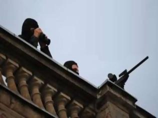 Φωτογραφία για ΣΟΚ: Βάζουν ελεύθερους σκοπευτές στις 25 Μαρτίου στο Σύνταγμα!