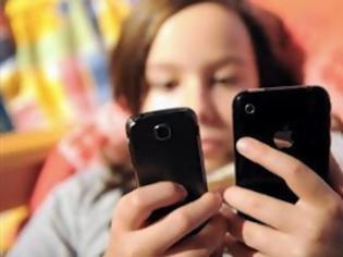 Φωτογραφία για Ένας μέσος έφηβος στέλνει 60 sms τη μέρα