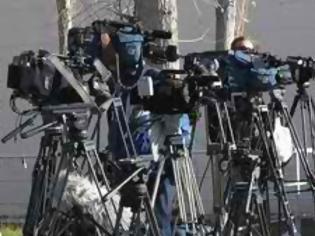 Φωτογραφία για 230 - Eλληνες και ξένοι - δημοσιογράφοι ζήτησαν να παρακολουθήσουν την παρέλαση...