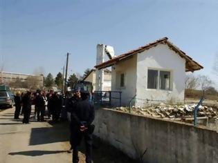 Φωτογραφία για Σε κλοιό το στρατόπεδο στην Κοζάνη…