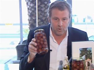 Φωτογραφία για Ο Απ. Γκλέτσος θα προσφέρει ελιές και λάδι σε πολίτες στη Δραπετσώνα [video]